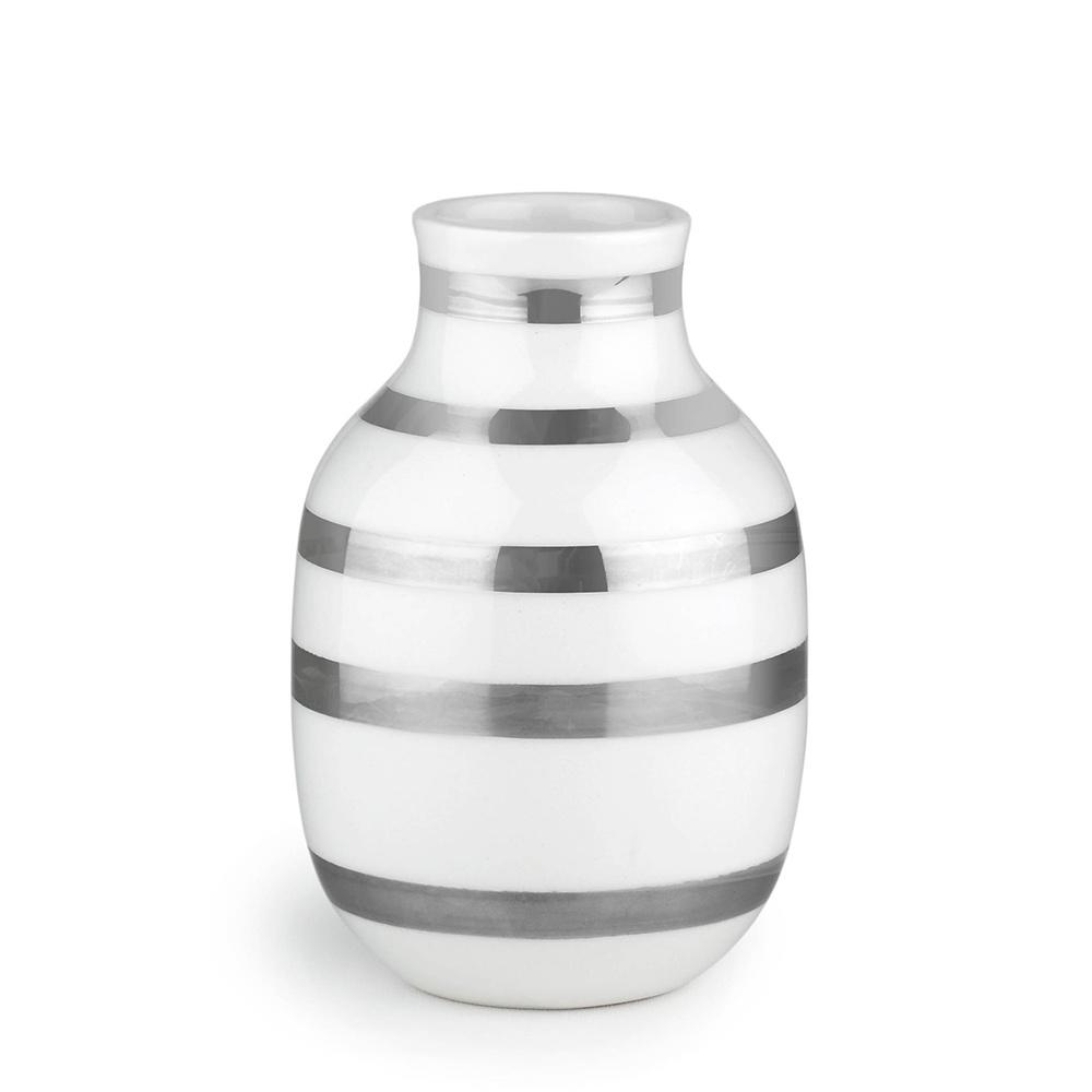 omaggio vase small silver ditte reckweg and jelena. Black Bedroom Furniture Sets. Home Design Ideas